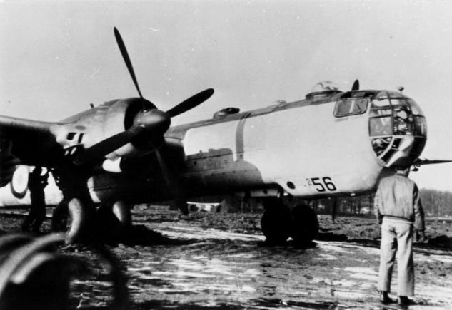 bundesarchiv-bild-146-1972-065-68-flugzeug-heinkel-he-177-a-7.jpg