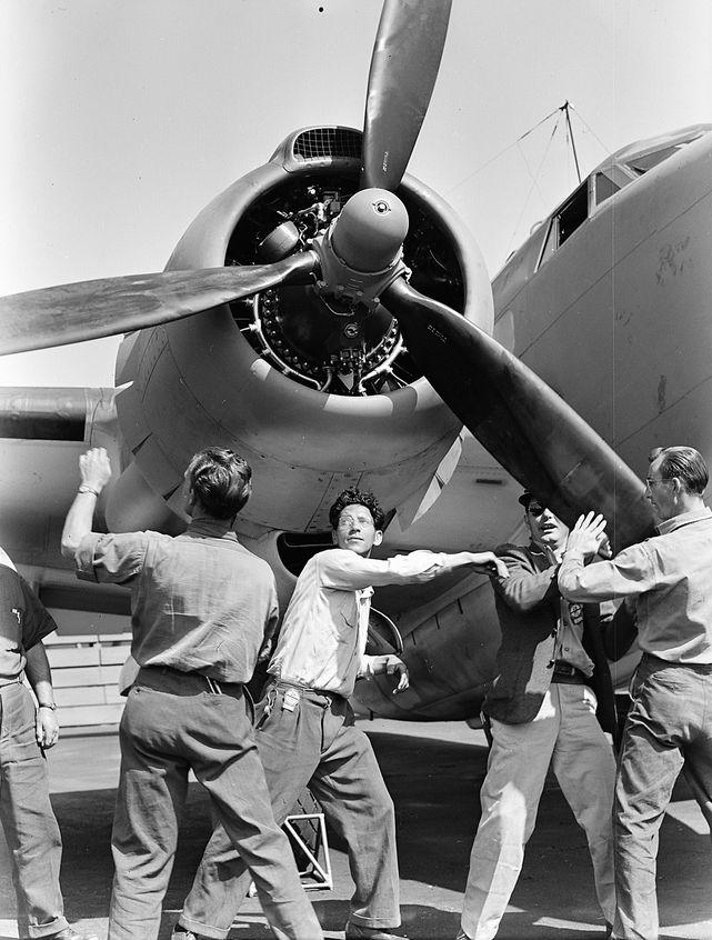 Lockheed pv 1 burbank checking propeller