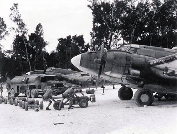 Lockheed pv 1 no 10 servicing unit 1945